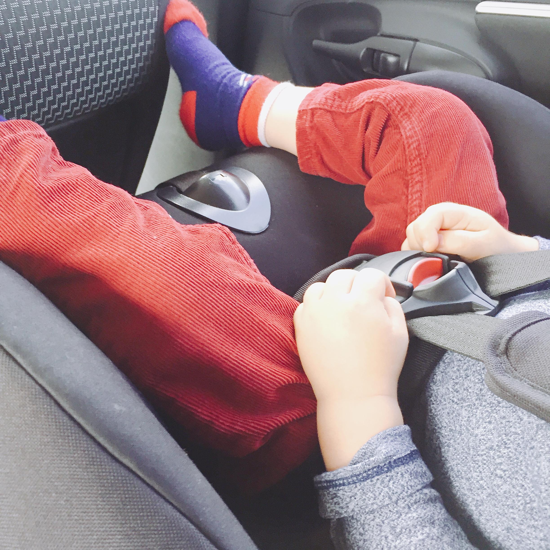 Autofahrt mit Kleinkind
